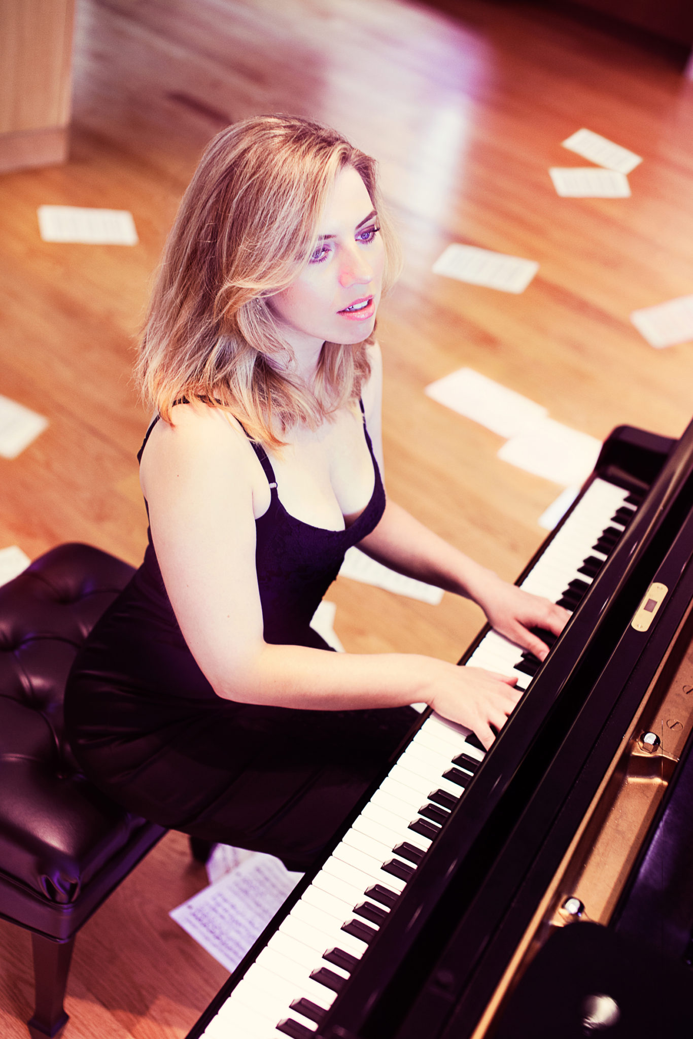 paremski-natasha-august-12-at-piano-small-cred-andrea-joynt